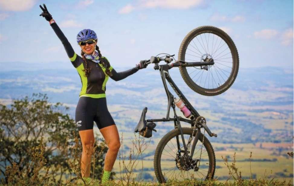 Bikers Rio pardo | Sua História | Muita felicidade a bordo de uma bike: isto é Raquel Bueno!