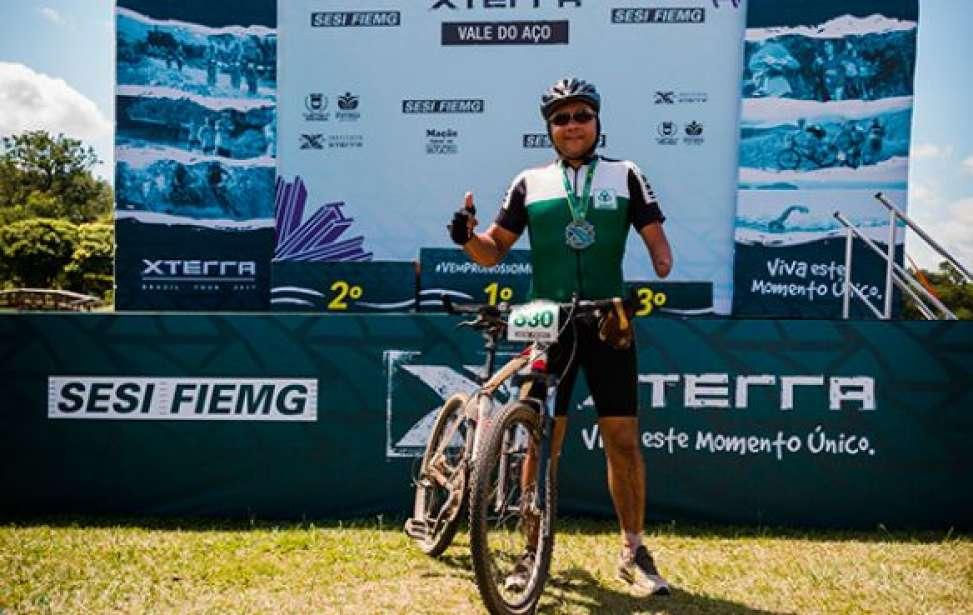 Bikers Rio pardo   Sua História   Ciclista com parte amputada do braço desafia limites no mountain bike