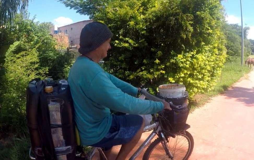 Bikers Rio Pardo | SUA HISTÓRIA | Aposentado pedala todos os dias para regar árvores de uma avenida