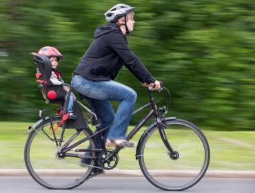 Bikers Rio pardo | Dica | Transporte de crianças em bicicletas: confira cuidados para evitar acidentes