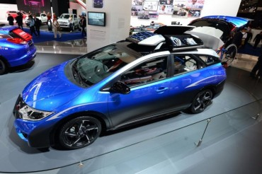 Honda Civic Tourer Concept Active L...