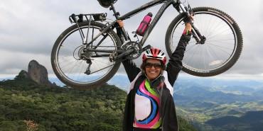 Bikers Rio Pardo   SUA HISTÓRIA   Aos 58 anos, ciclista viaja sozinha e descobre o mundo de bike